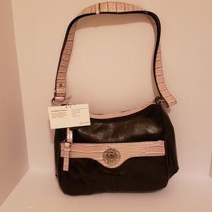 New Giani Bernina Purse with 5 zipper compartments